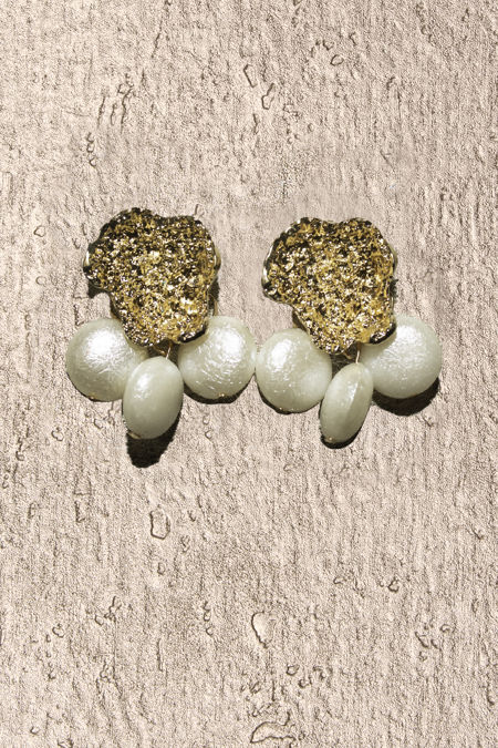 Seashell Gold Pearl Earrings