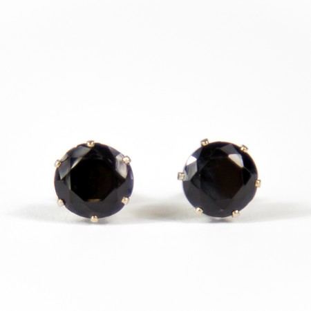 Black Gem Stud Earings